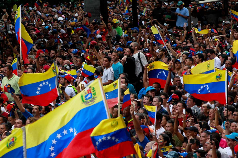 Miles de opositores en una concentración contra Maduro en Caracas.