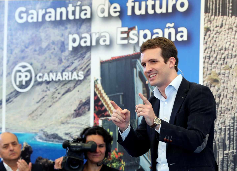 El presidente del PP, Pablo Casado, durante el acto de presentación hoy en Las Palmas de Gran Canaria del líder del partido en Canarias, Asier Antona, como candidato a gobernar la comunidad autónoma en las elecciones de mayo de 2019.