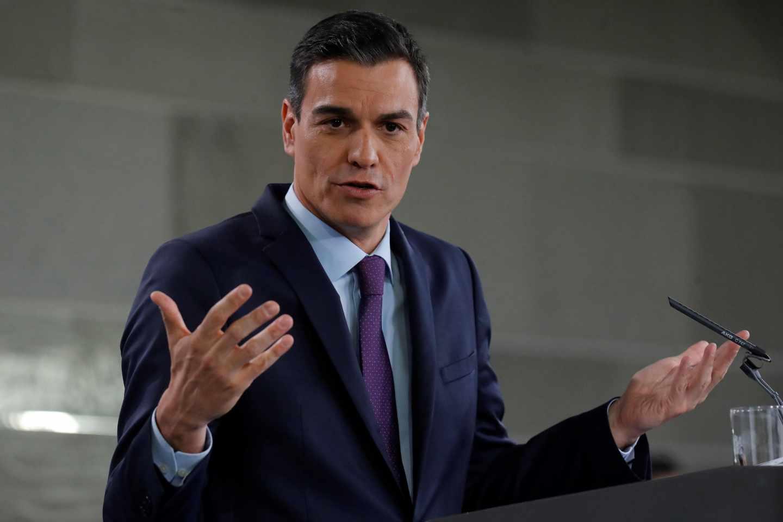 Sánchez confirma la prohibición de la venta de coches con emisiones en 2040