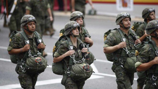 Soldados durante el desfile del 12 de octubre.