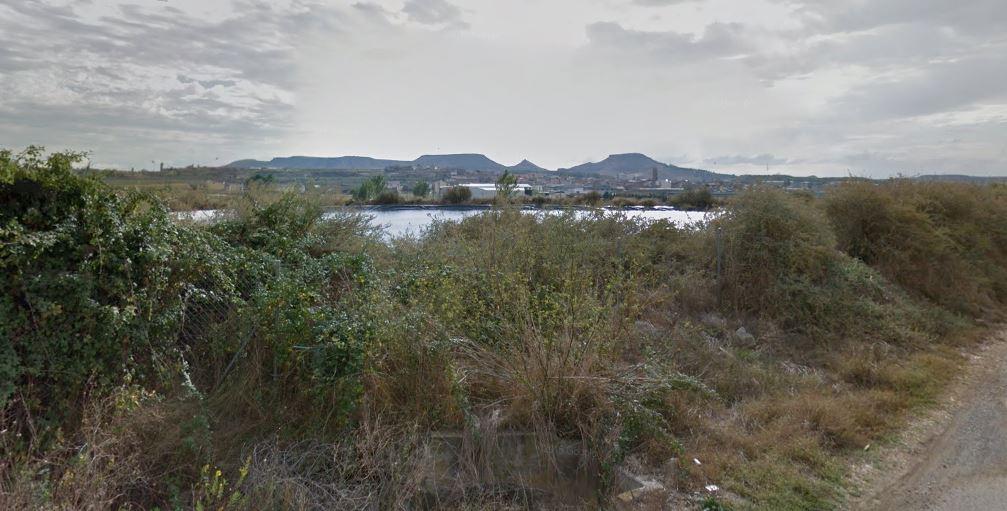 Balsa de riego en la localidad de Binaced (Huesca).