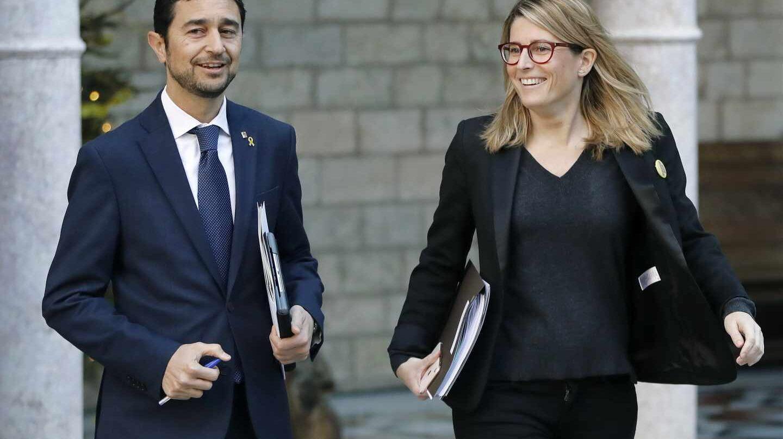 El consejero de Territorio y Sostenibilidad, Damiá Calvet, acompañado por la consejera de la Presidencia, Elsa Artadi.