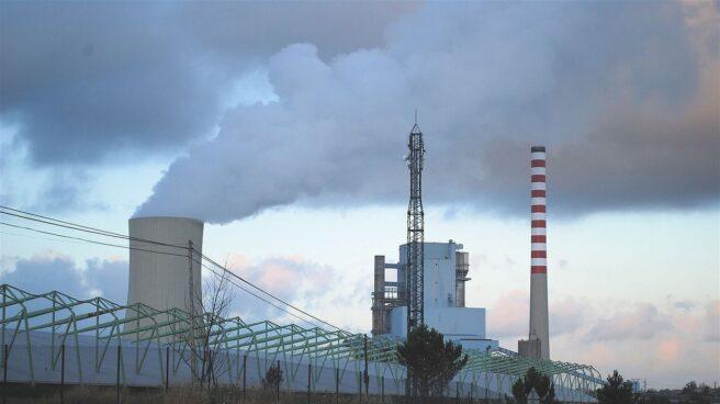 La central de carbón de Meirama (A Coruña), controlada por Naturgy.