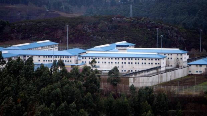 Vista exterior de la cárcel de A Lama.