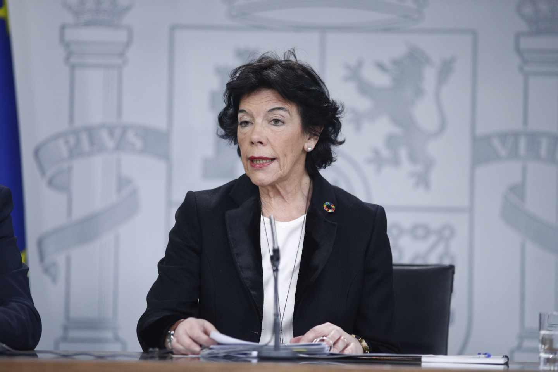 La portavoz del Gobierno, Isabel Celaá, en rueda de prensa tras el Consejo de Ministros