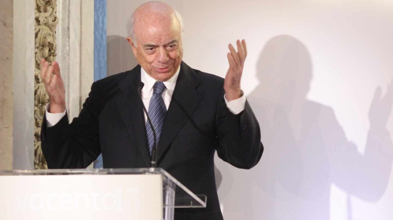 Francisco González, en la recogida de un premio durante su etapa como presidente ejecutivo del BBVA.