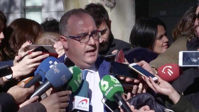 El abogado del excomisario Villarejo a la salida de la Audiencia Nacional