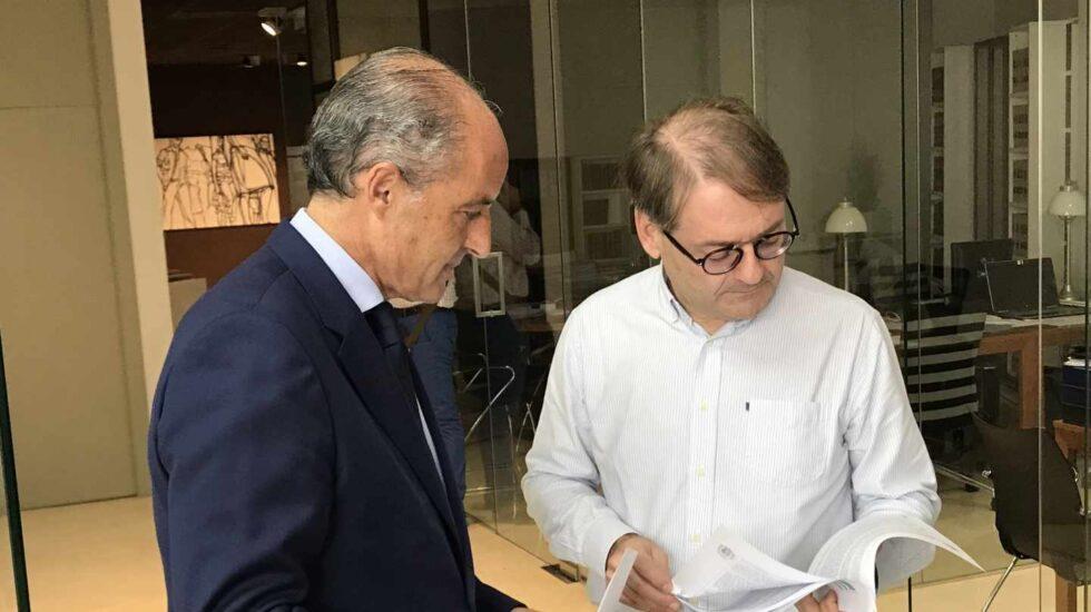 Francisco Camps, junto a su abogado.