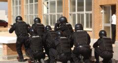 Un grupo de GEOS de la Policía Nacional, durante un ejercicio de demostración.