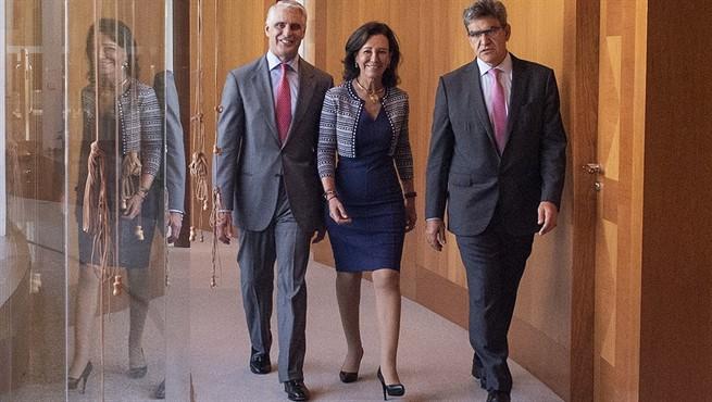 Orcel, Botín y Álvarez, en la sede central de Santander.