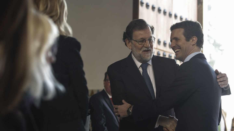 Mariano Rajoy y Pablo Casado en la investidura de Juanma Moreno.