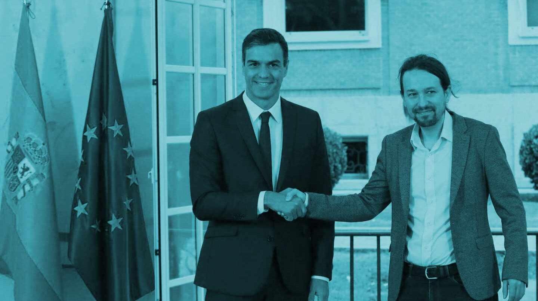El presidente del Gobierno, Pedro Sánchez, y el líder de Unidos Podemos, Pablo Iglesias, tras la firma del acuerdo presupuestario.