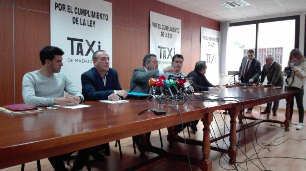 Los líderes de las patronales del taxi en Madrid en una rueda de prensa.