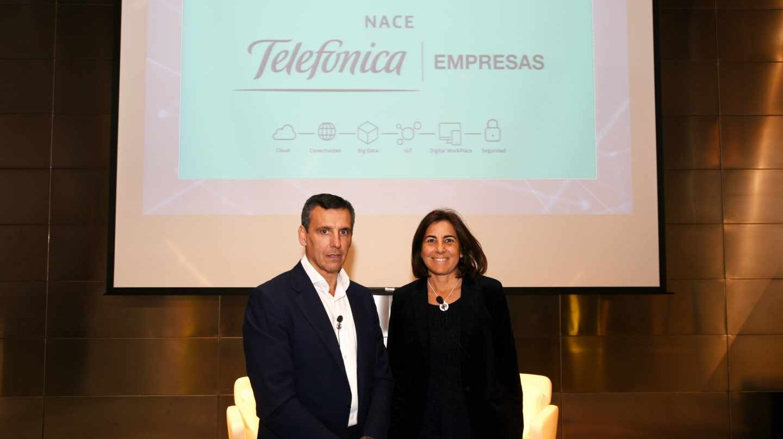 José Cerdán, CEO de Telefónica Business Solutions, y María Jesús Almazor, consejera delegada de Telefónica España.