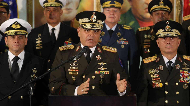 El ministro de Defensa, Vladimir Padrino, junto a generales chavistas durante una rueda de prensa en Caracas.