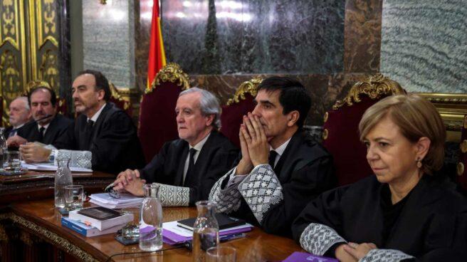 Juicio al procés: de izqda. a dcha., los magistrados Varela, Martínez Arrieta, Marchena, Berdugo, Del Moral y Ferrer.