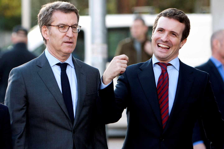 Pablo Casado junto a Alberto Núñez Feijóo en una visita a Galicia que realizó ayer