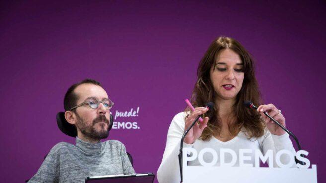 La portavoz ejecutiva de Podemos, Noelia Vera, junto al secretario de Organización, Pablo Echenique.