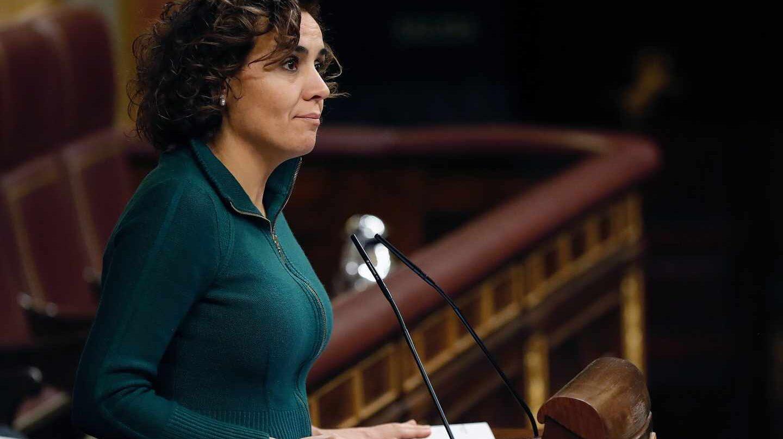 La portavoz parlamentaria del PP, Dolors Montserrat, durante el debate de este martes