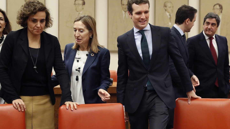 Casado durante la reunión con el pleno de su Grupo Parlamentario en el Congreso