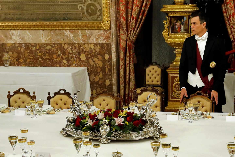 Pedro Sánchez, en el Palacio Real antes de la cena de gala con el presidente de Perú, Martín Vizcarra.