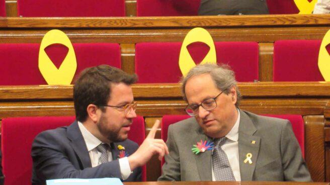 Aragonés y Torra, en el Parlament.