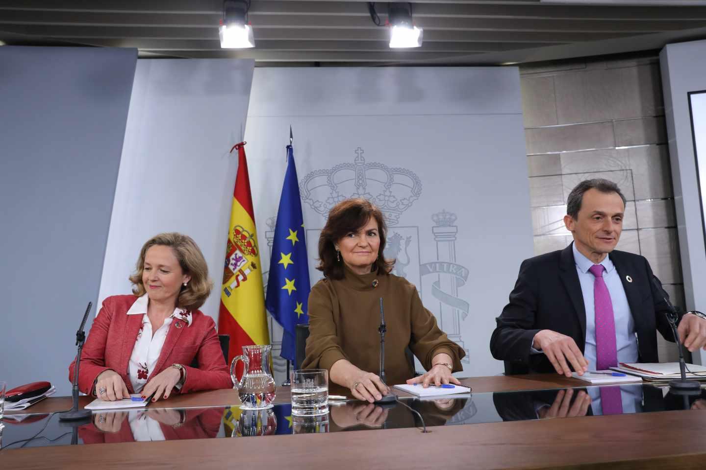 Calviño, Calvo y Duque, tras un Consejo de Ministros.