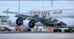Uno de los aviones de la flota de Emirates. La aerolínea está buscando tripulantes de cabina en España.