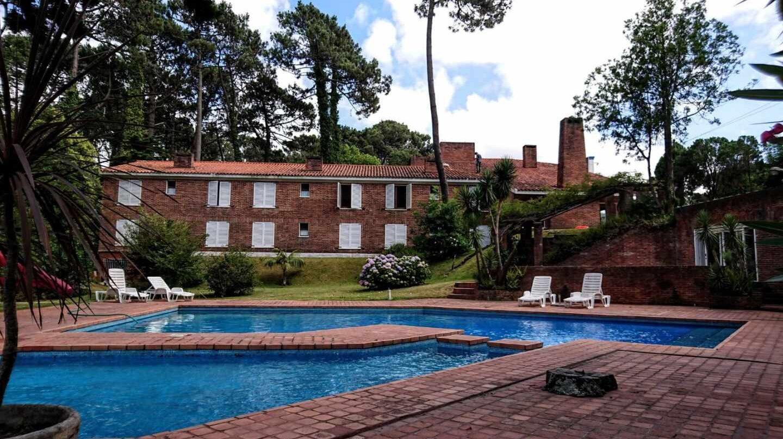 El Parque Hotel Saint-Pierre (antes Don Pepe), que Villarejo vendió al arquitecto argentino Adrián Beloso-Baker.