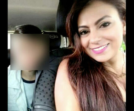 Jessy Paola junto a su hijo