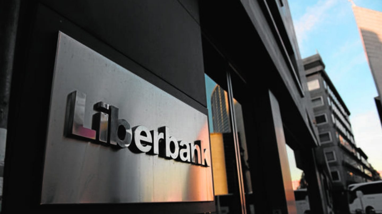 Abanca estudia lanzar una OPA a 0,56 euros por acción sobre Liberbank