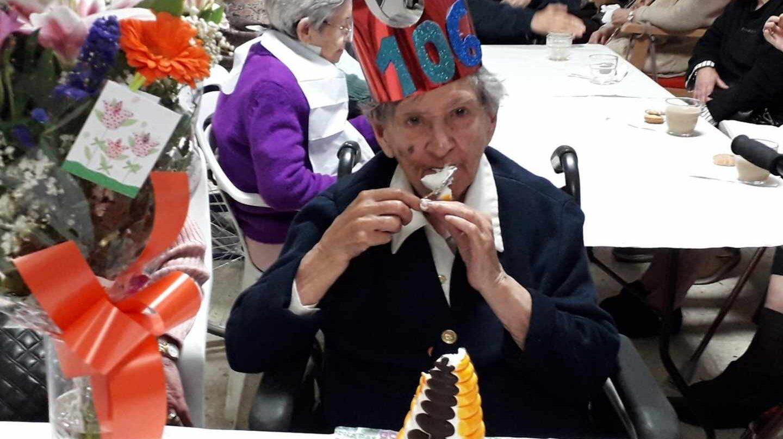 María Luisa en la celebración de su 106 cumpleaños