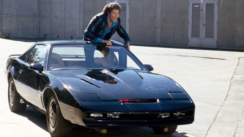 Michael Knight (David Hasselhoff) sobre el mítico 'coche fantástico'