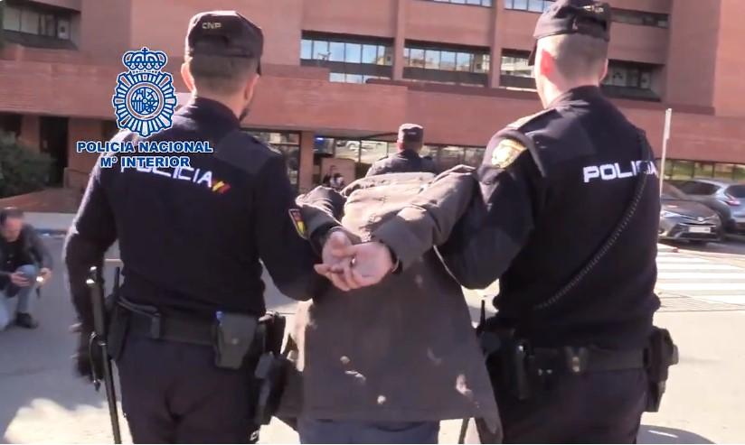 Momento de la detención del presunto parricida.
