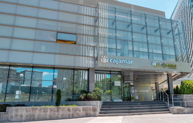 Cajamar ofrece 200 euros a los clientes que domicilien su nómina o pensión