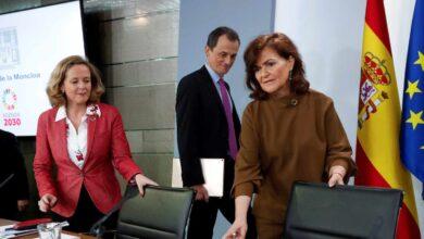 Sánchez saca del Gobierno a Carmen Calvo y asciende a Nadia Calviño a vicepresidenta primera