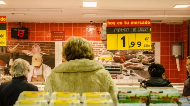 La guerra de los frescos: el empuje de los supermercados acorrala al mercado tradicional.