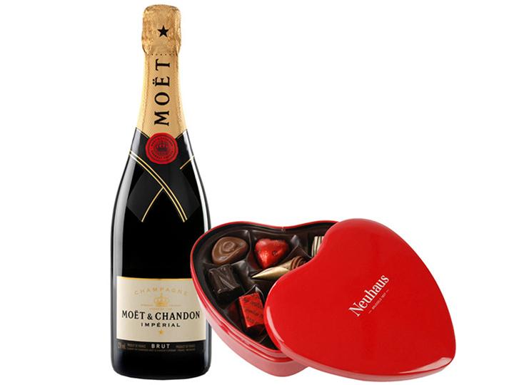 Champagne Moët & Chandon y bombones Neuhaus venta El Corte Inglés