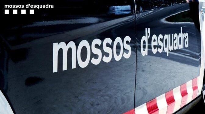 Hallan el cadáver de un hombre en el maletero de su coche en Girona