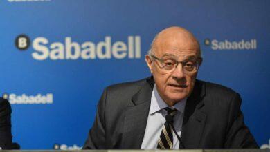 El independentismo examina a Fainé y Oliu en el Parlament por la huida de La Caixa y Sabadell