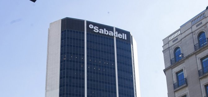 Imagen de uno de los edificios corporativos de Banco Sabadell.