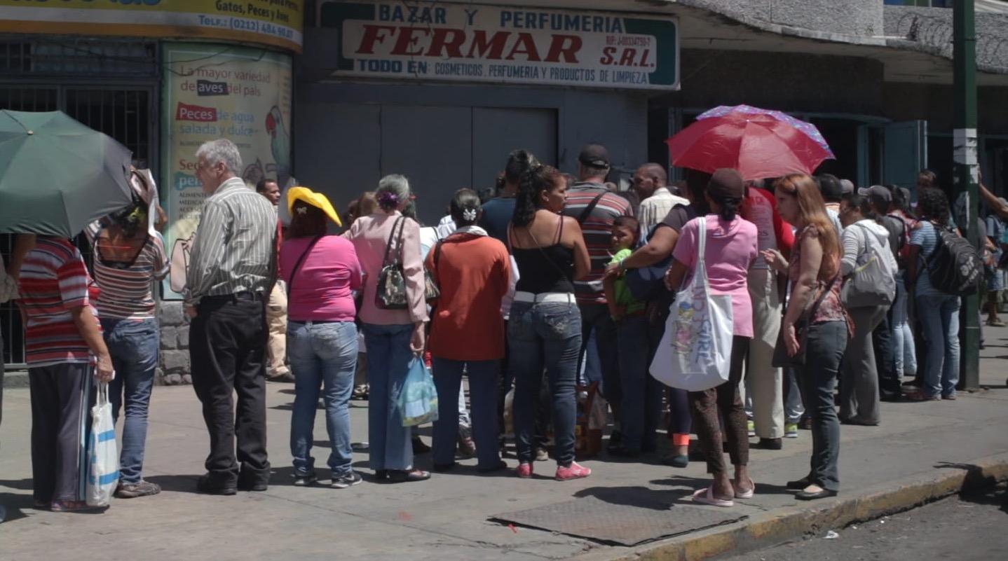 "Fotograma del documental ""Mujeres del caos venezolano"""