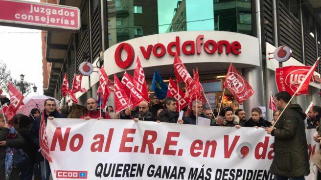 Manifestación de trabajadores de Vodafone contra el ERE.