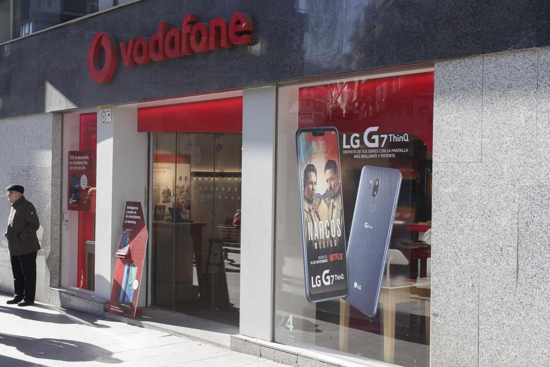 Vodafone se hunde en mínimos de una década lastrada por sus dificultades en España.