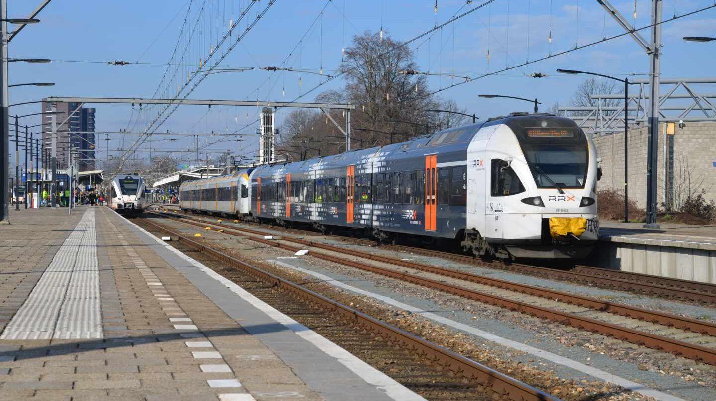 El tren regional Rhein-Ruhr-Express operado por la matriz de Alsa en la Estación de Düsseldorf-Hamm.