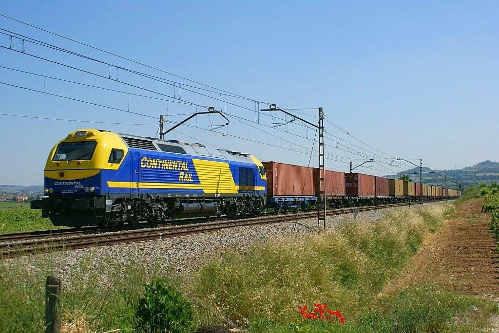 Un tren de mercancías de Continental Rail, filial de ACS.