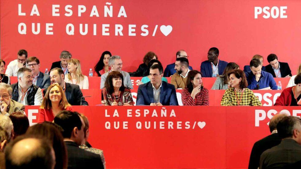 El presidente del Gobierno, Pedro Sánchez (c), en el Comité Federal del PSOE en el que se van a aprobar las listas para las elecciones generales y las europeas, autonómicas y municipales del 26 de mayo.