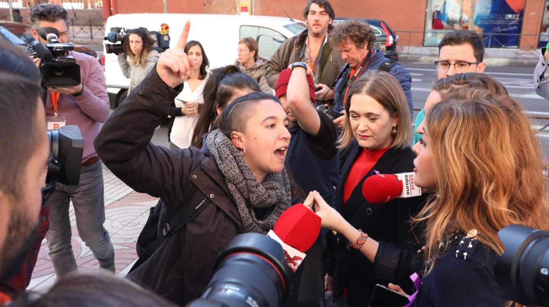 Protesta feminista en la sede de Ciudadanos.