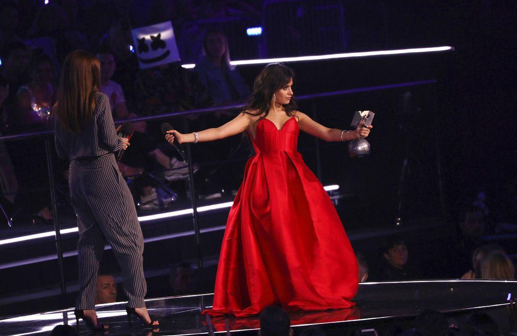 La cantante Camila Cabello durante la gala MTV EMA de 2018