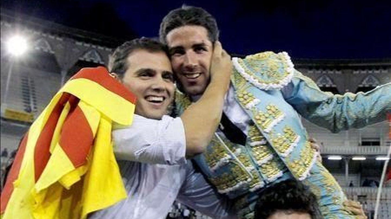 Albert Rivera junto al torero Serafín Marín.